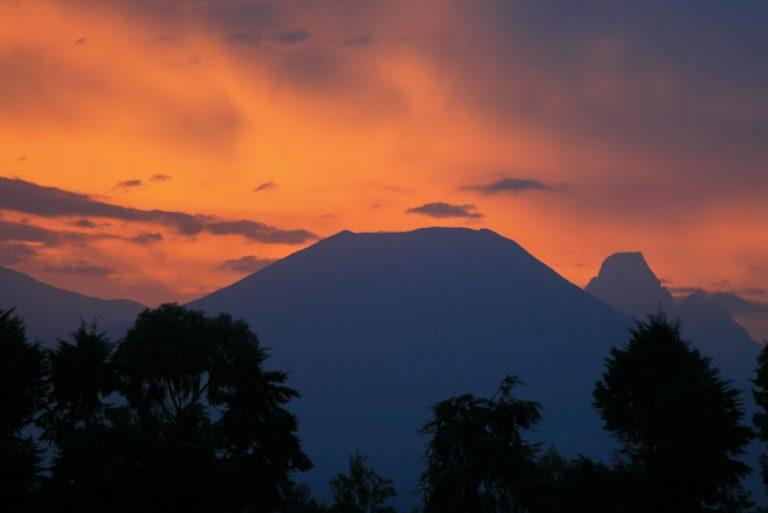 Exploring Volcanoes National Park